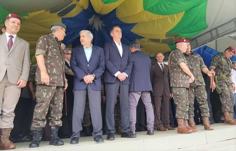 Bolsonaro evento militar