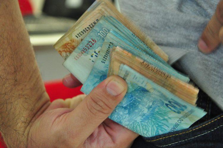 Dinheiro Economia Salário e Corrupção 17