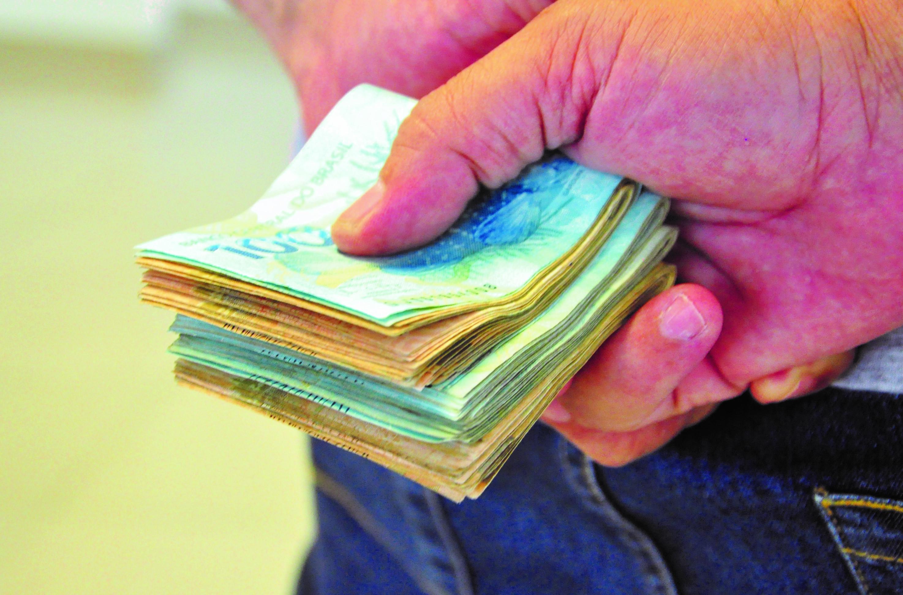 Dinheiro Economia Salário e Corrupção 22