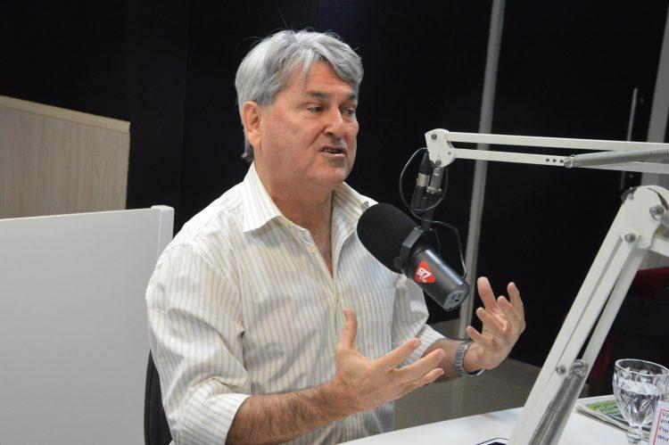 Confira na íntegra a entrevista do deputado Tomba Farias ao Agora Jornal