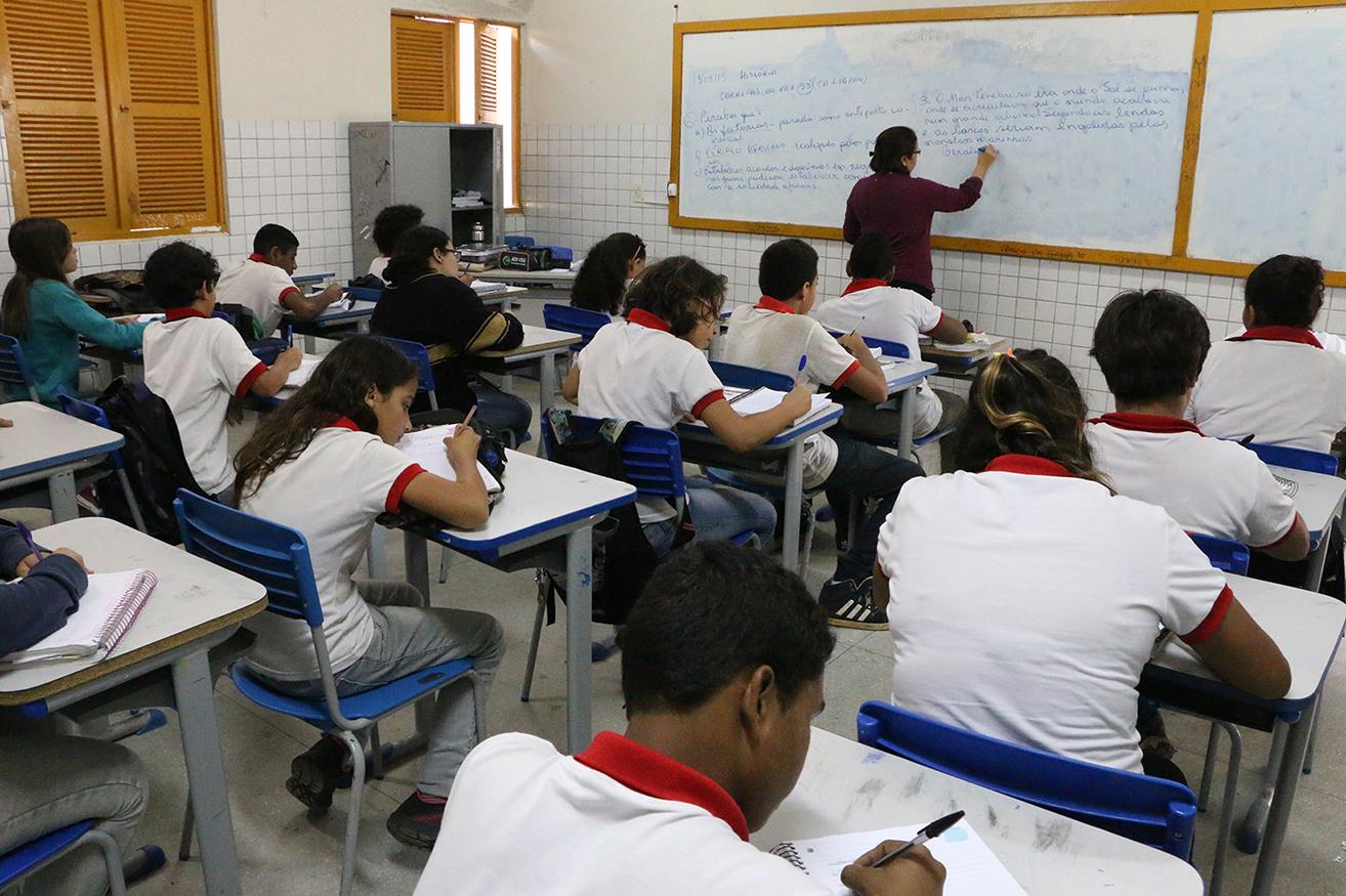 Professores Demis Roussos