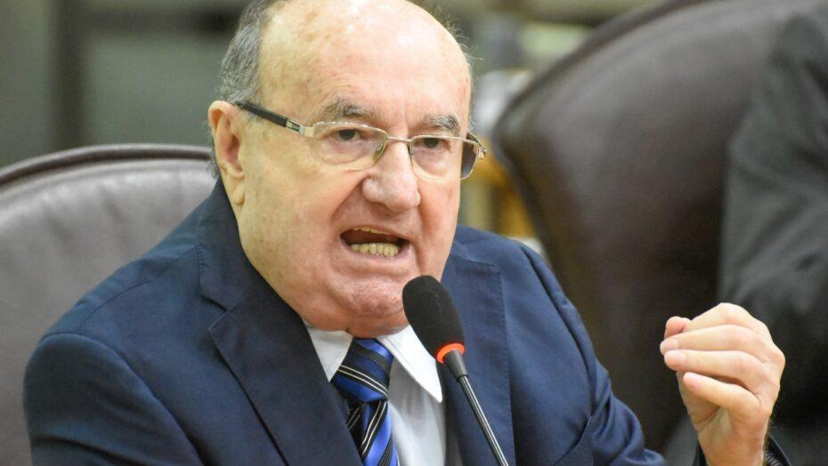 Deputado do RN isenta Bolsonaro e diz que plano de vacinação contra a Covid deve ser feito por estados