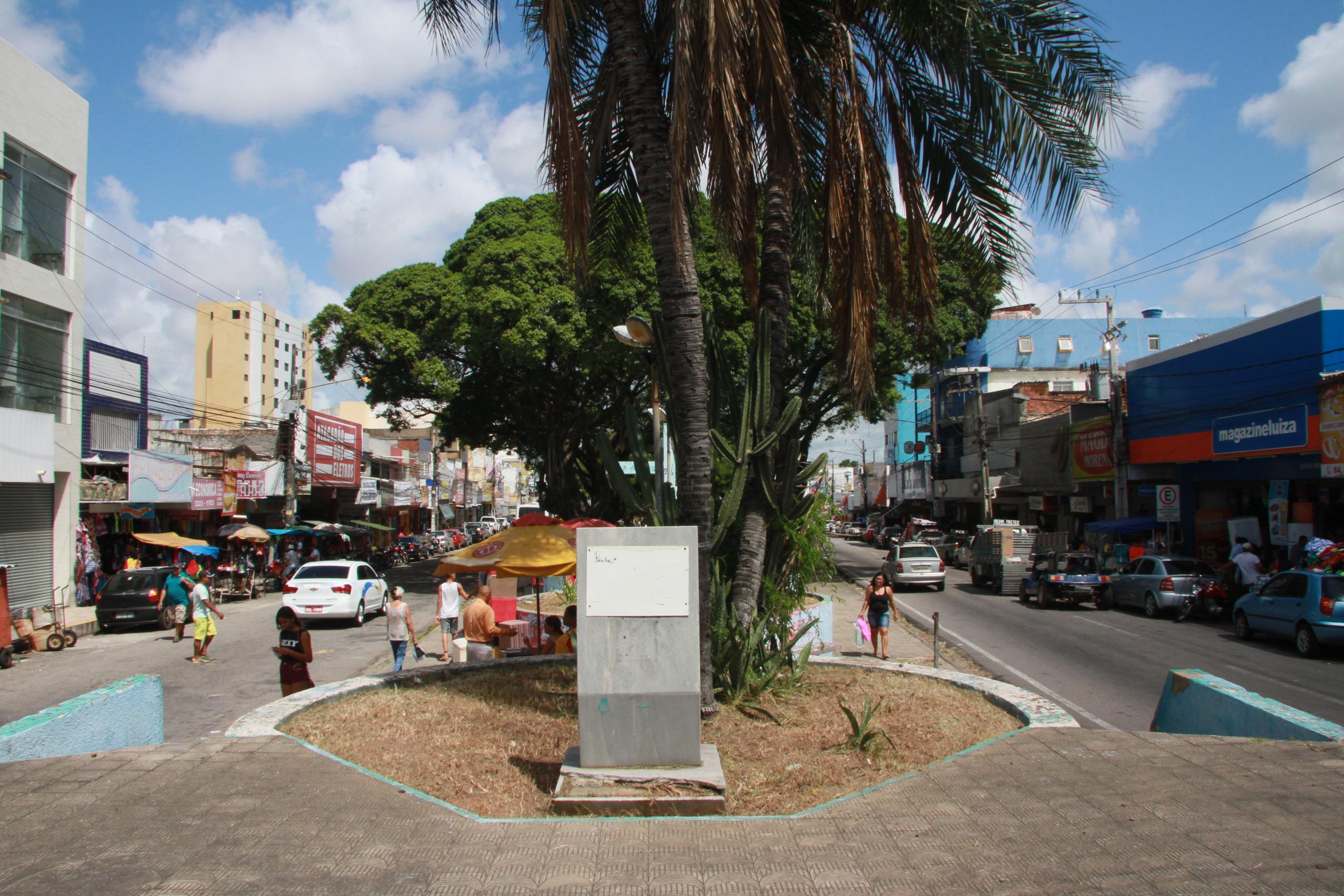 Praça Gentil Ferrreira Alecrim 24
