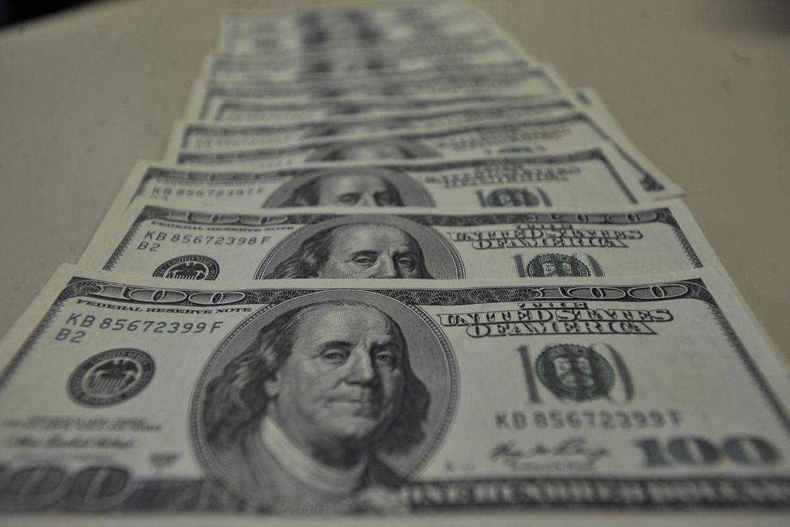 dolar 6