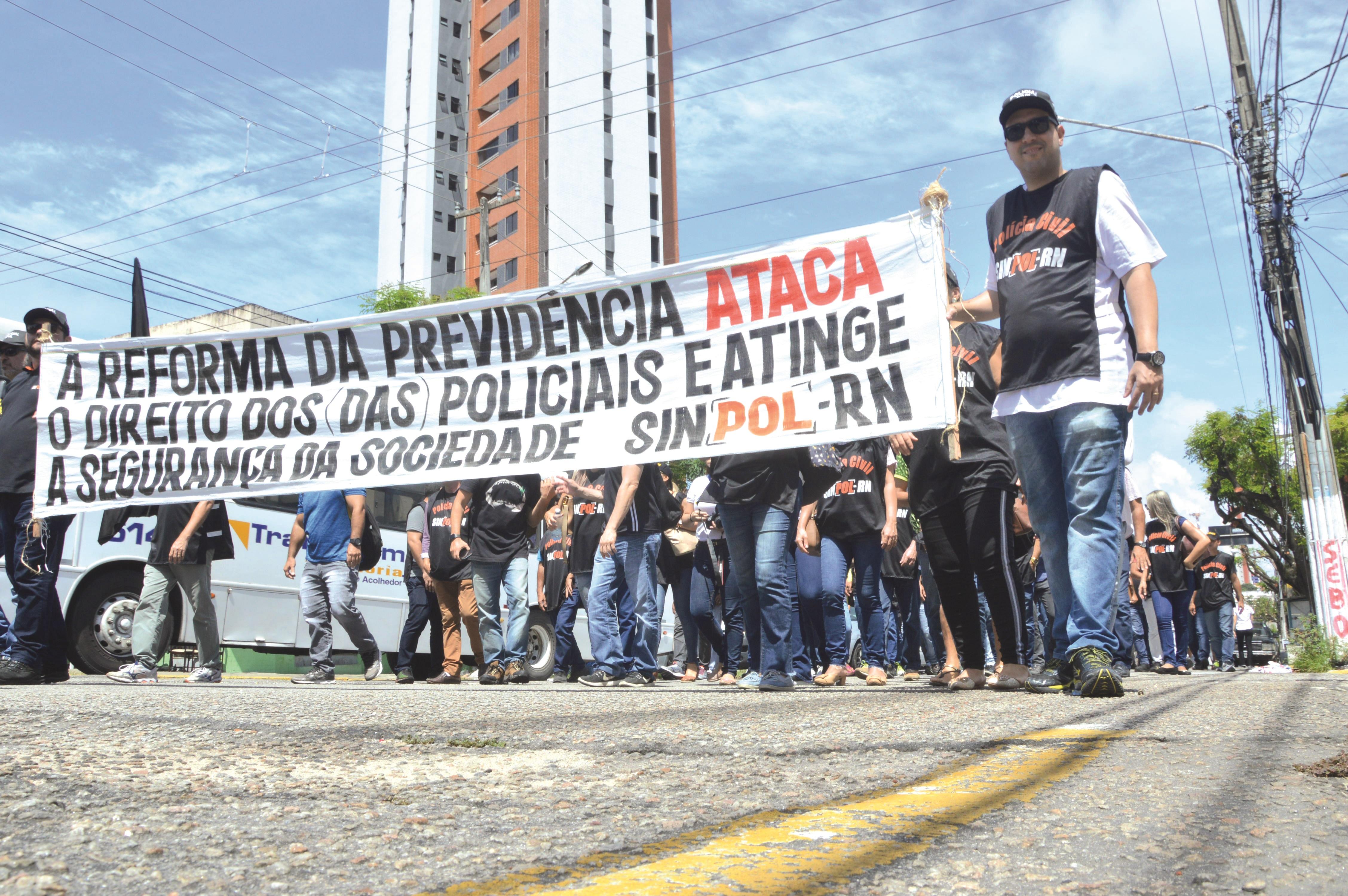 Protesto do SinpolRN Contra Reforma da Previdência 40