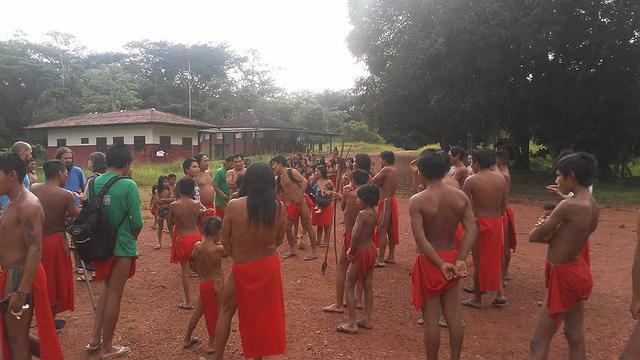 aldeia amapa grimpeiros invadem