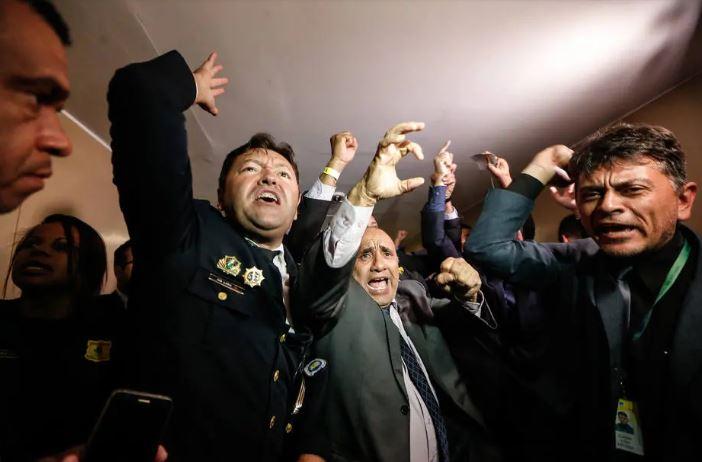 protesto policiais camara