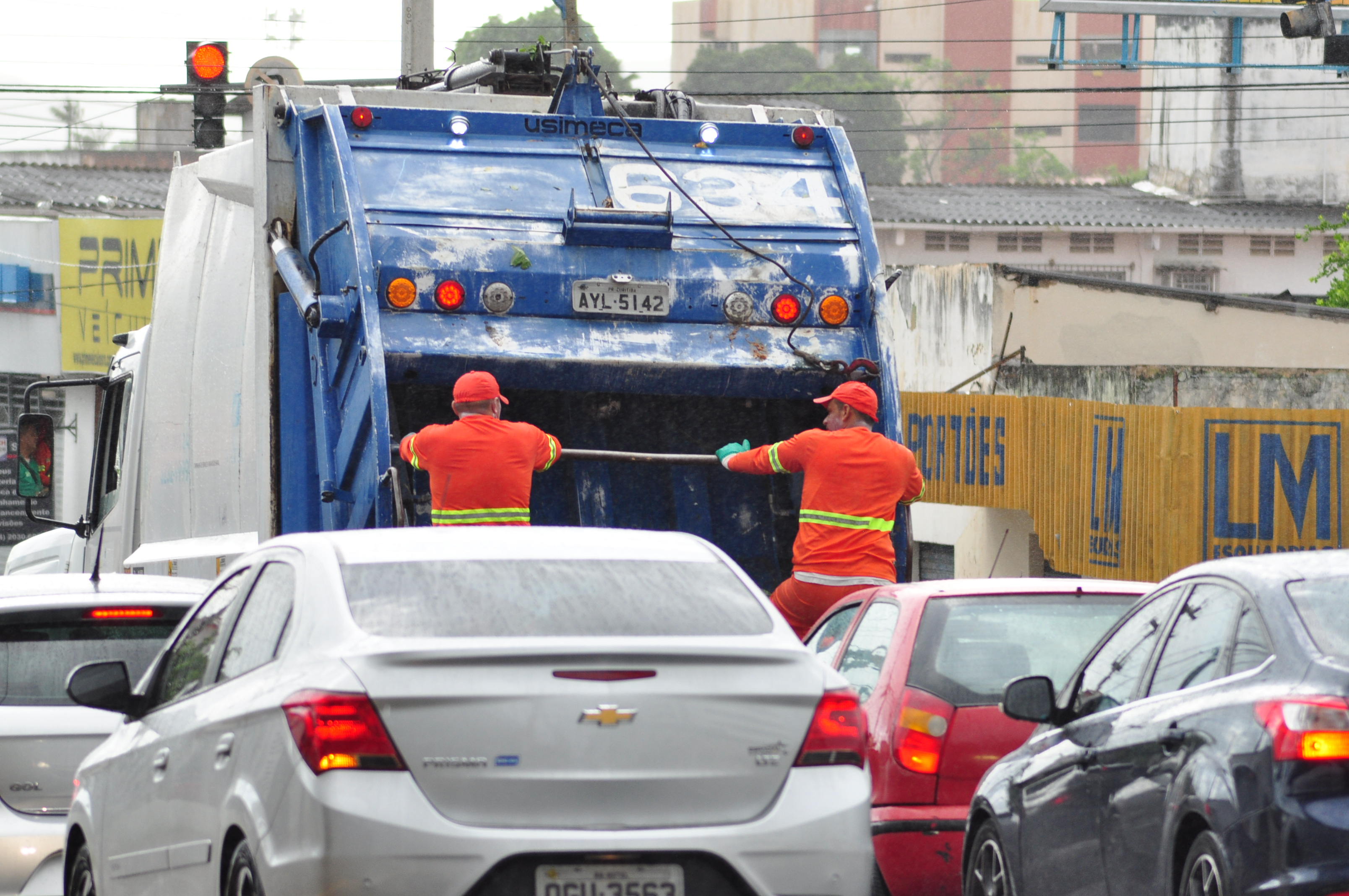 Carro de Coleta de Lixo Urbana 1