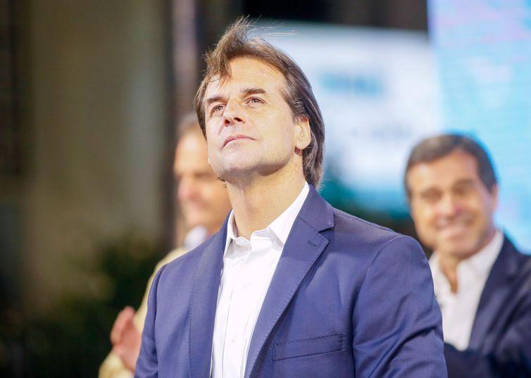 2019 11 25t041819z 1579674786 rc24id9adj2z rtrmadp 3 uruguay election
