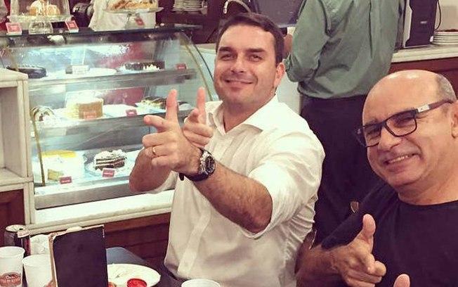 Flávio Bolsonaro e Fabrício Queiroz. Foto: Reprodução