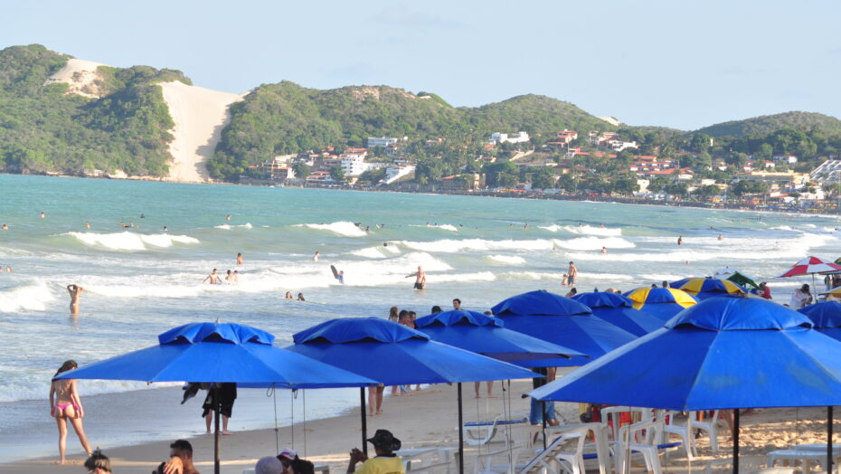 Banhistas e Turistas na Praia de ponta Negra 72 e1611850914545