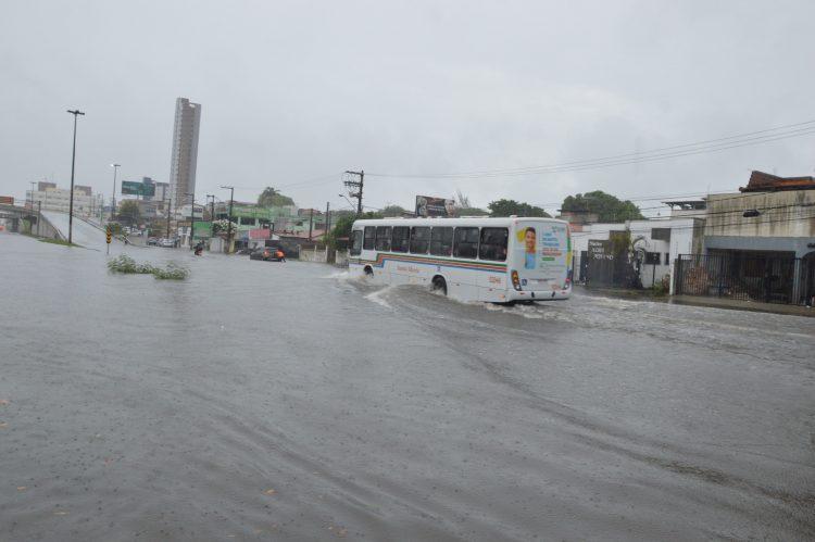 Resultado de imagem para imagens das chuvas em natal nesta sexta 13