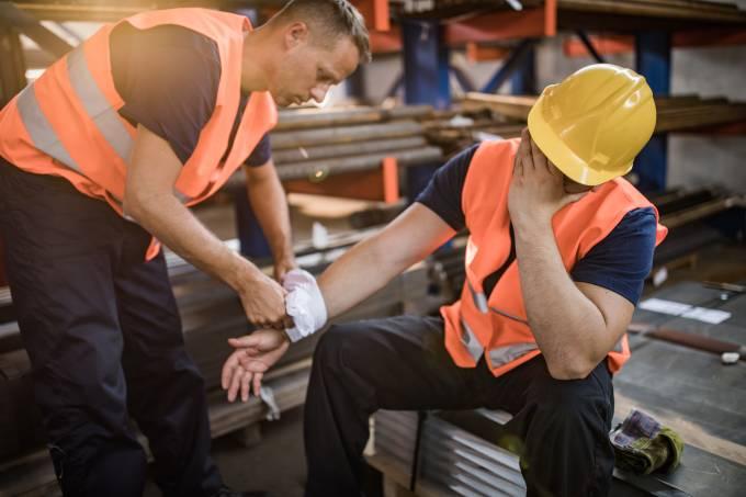 acidente de trabalho construcao gettyimages 1009864426