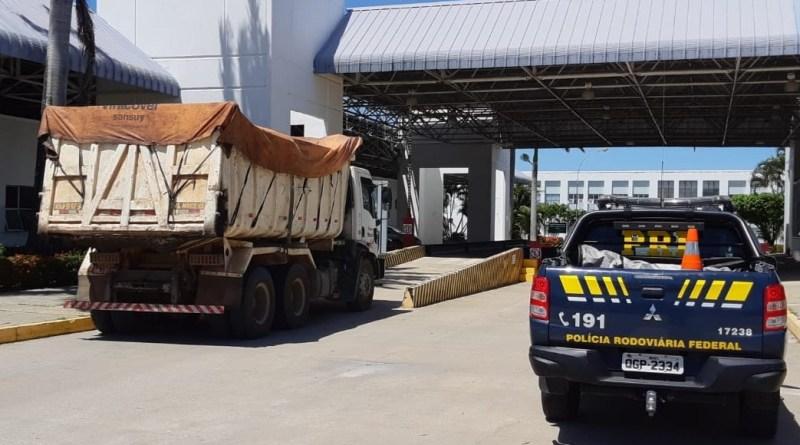 Caminhão excesso peso e1586792592209