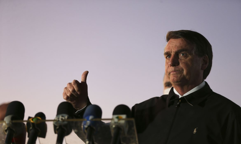260520o presidente jair bolsonaro cumprimenta populares e fala a imprensa no palacio da alvorada 3214