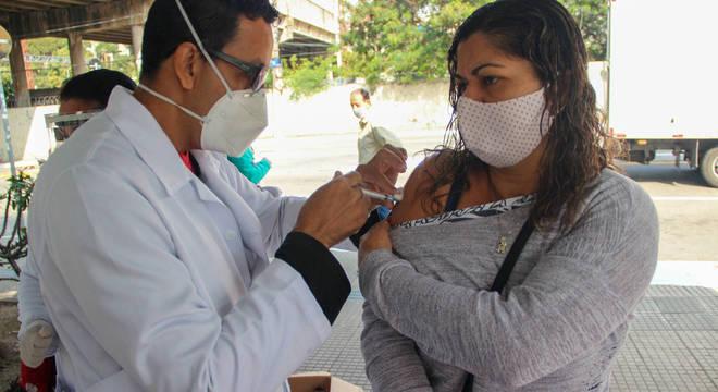 folhapress vacinacao da gripe 12072020080546012