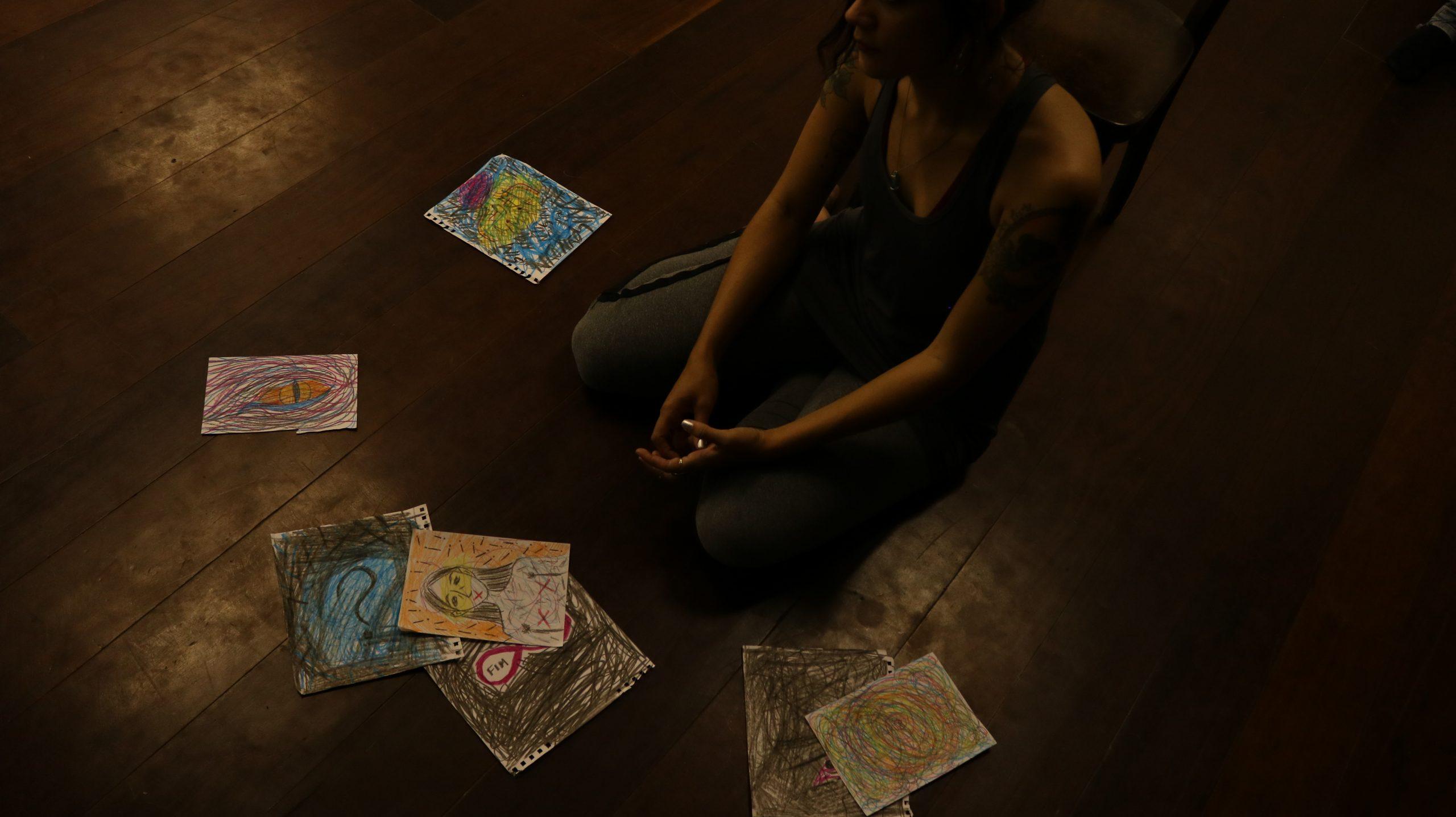 Atriz Débora Araújo e prompts de Direção de Arte Ensaio Foto de Andreia Lucynara scaled