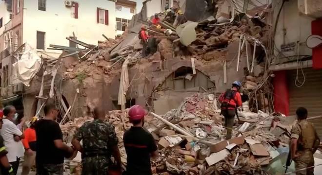 socorristas encontram sinais de vida sob escombros em beirute no libano 03092020144823337