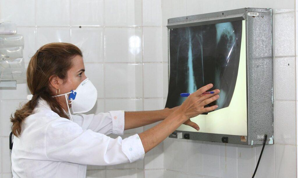 Pesquisadores avaliam eficácia da vacina contra tuberculose no combate da Covid-19