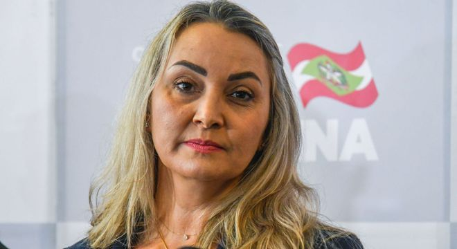Após cobrança de associações judaicas, governadora de santa catarina diz ser contrária ao nazismo