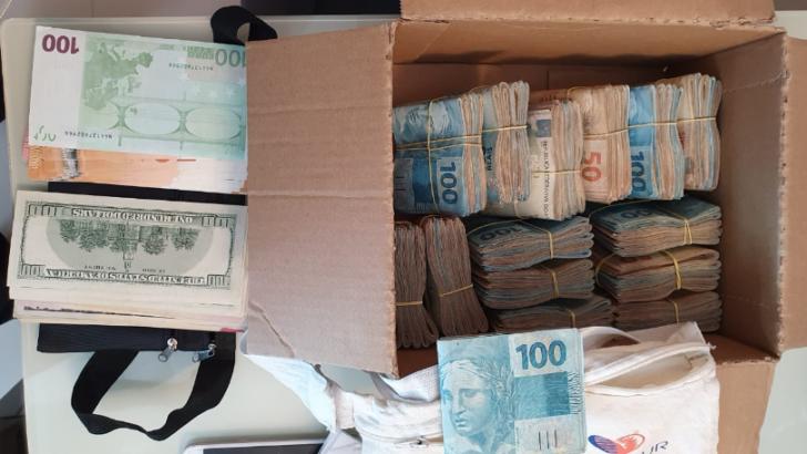 Pf apreende ão contra corrupção em extremoz apreende r$ 70 mil,