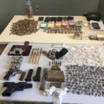 Dois bandidos são presos e um baleado em ação da pm contra o tráfico de drogas na grande natal