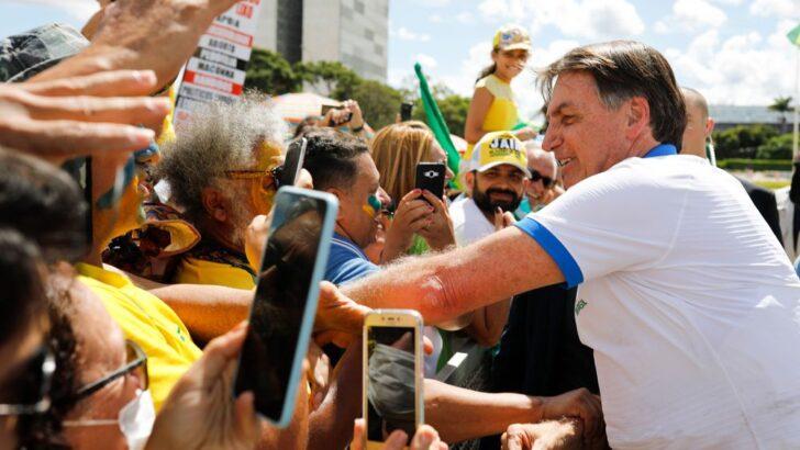 Homem oferece r$ 100 milhões a bolsonaro em troca de selfie