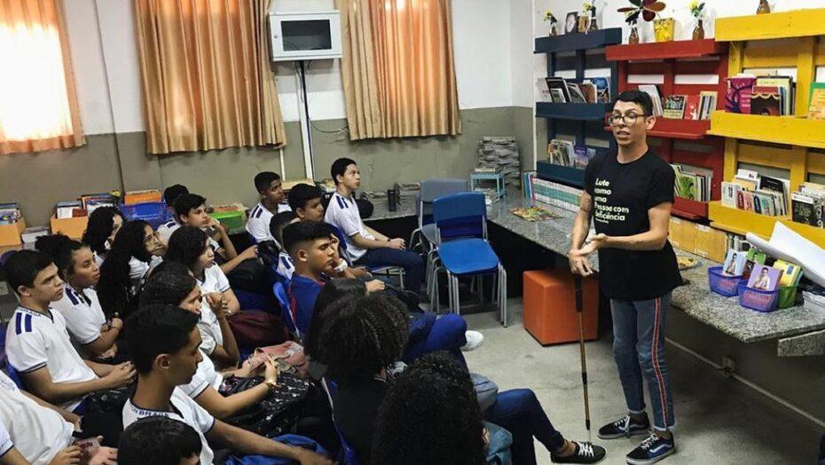 ivan baron palestra sobre inclusao em escola publica