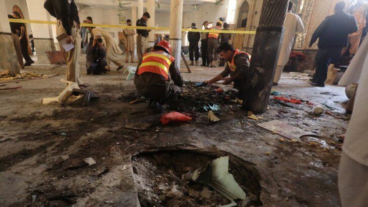 Atentado deixa 7 mortos e 50 feridos em escola religiosa no paquistão