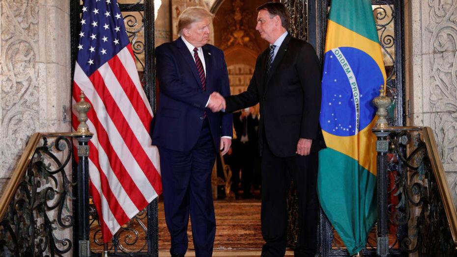 Trump e bolsonaro destruíram as defesas da américa latina contra a covid-19, diz jornal