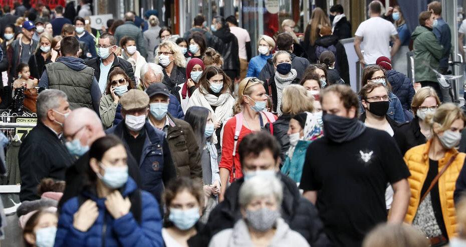 Aumento de casos de coronavírus na europa ameaça levar mais países a adotarem lockdowns