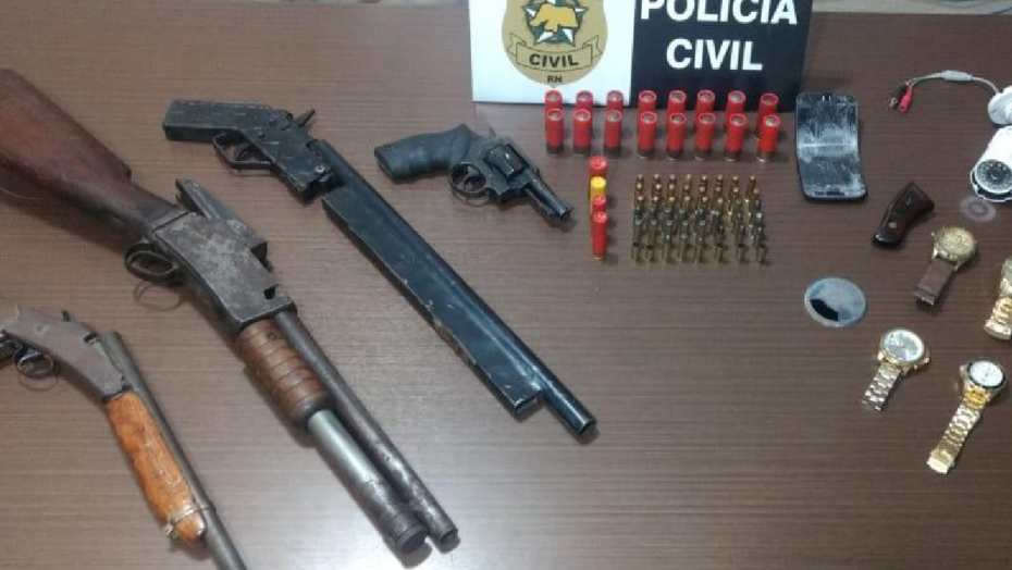 Operação policial em macaíba tem troca de tiros, um bandido morto e armas apreendidas