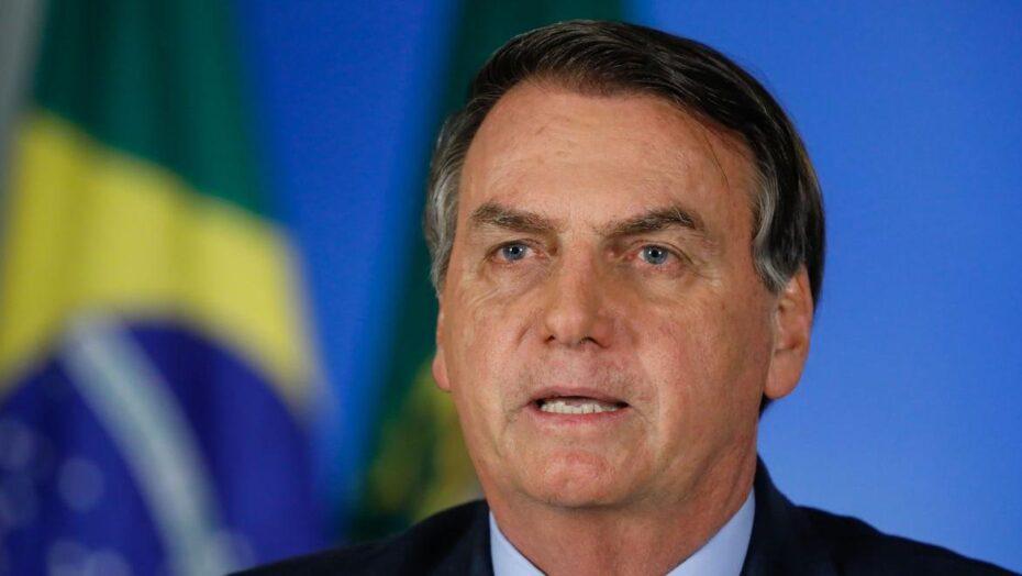 Bolsonaro: quando for certificada pela anvisa, compraremos a vacina