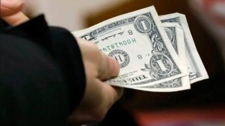 Dólar abre em queda e inicia o dia cotado em torno de r$ 5,30