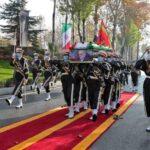 Irã faz funeral de gala para cientista assassinado, acusa israel e promete retaliação