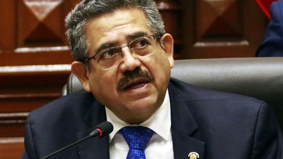 Líder do congresso peruano assume nesta terça presidência do país
