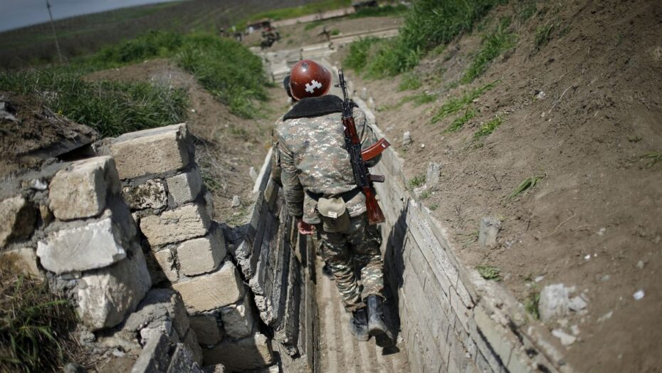 Armênia, azerbaijão e rússia assinam acordo para encerrar conflito
