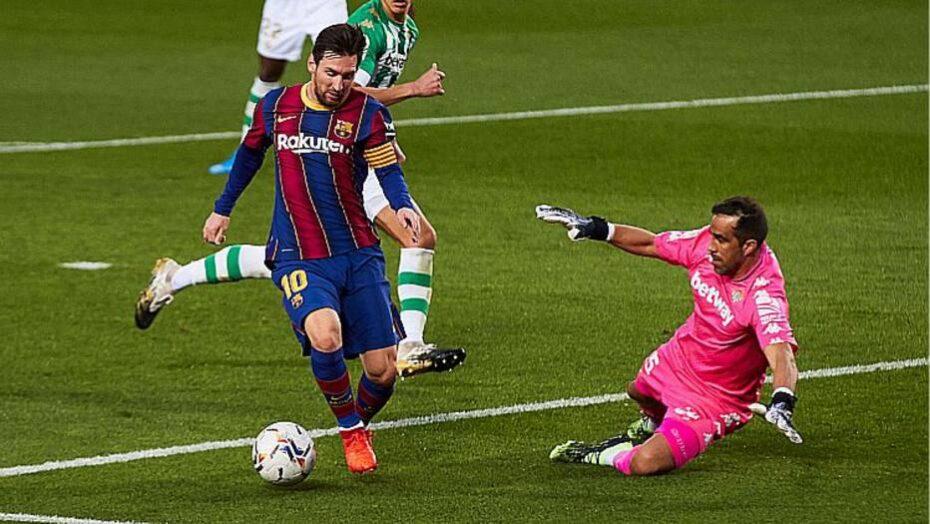 Messi sai do banco, faz dois, barcelona goleia o bétis e desencanta no espanhol