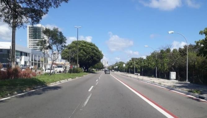 Av. roberto freire ganhará faixa compartilhada para bikes e ônibus