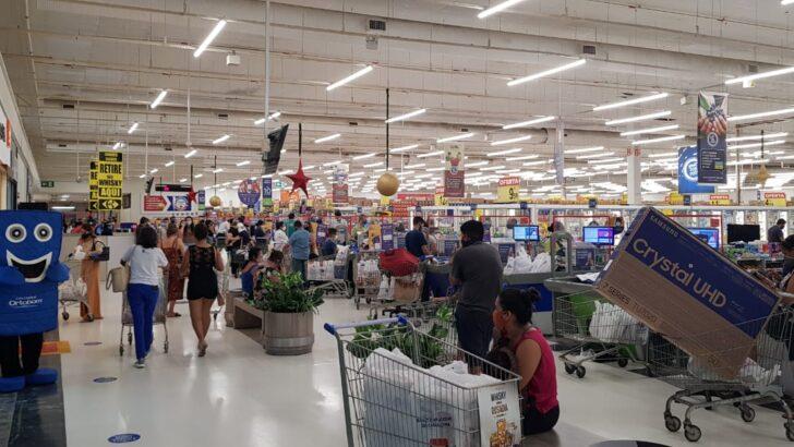 Black friday tem aglomerações e filas em supermercado de natal