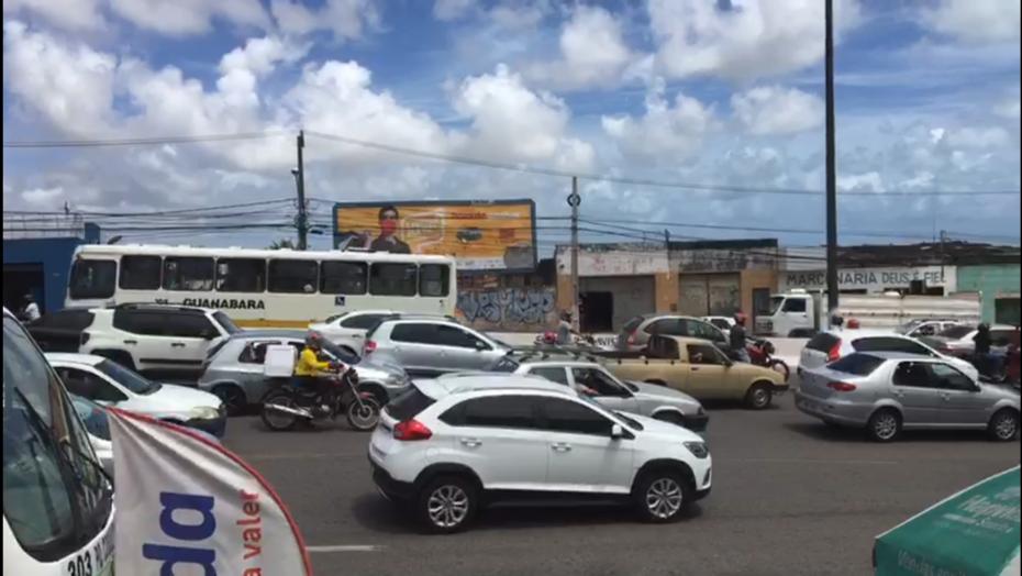 Obra da caern gera congestionamento na ponte de igapó nesta segunda