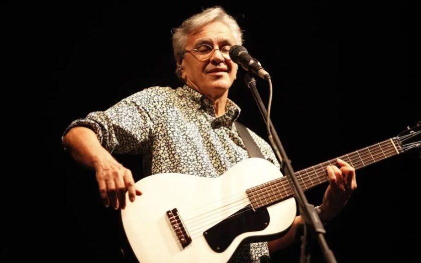 Caetano veloso faz live de natal com músicas pedidas pelo público