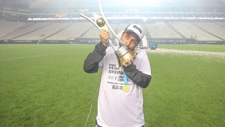 Campeão brasileiro, técnico do corinthians destaca força do futebol feminino
