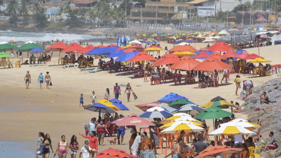 Quiosques da orla de natal serão fechados às 18h no dia 31; acesso às praias pode ser fechado