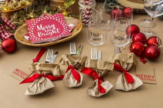 Aprenda a decorar a mesa de natal para a ceia e o almoço