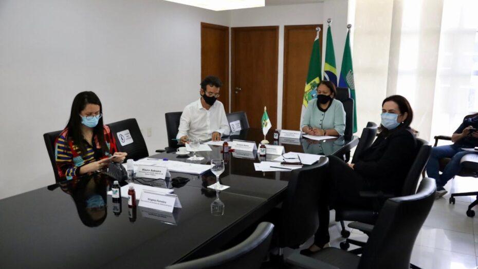 """Fátima bezerra anuncia compra de seringas e agulhas para vacinação: """"tudo está pronto"""""""