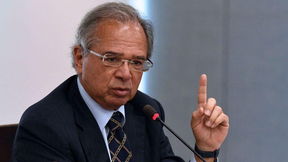 Guedes defende flexibilização da legislação trabalhista