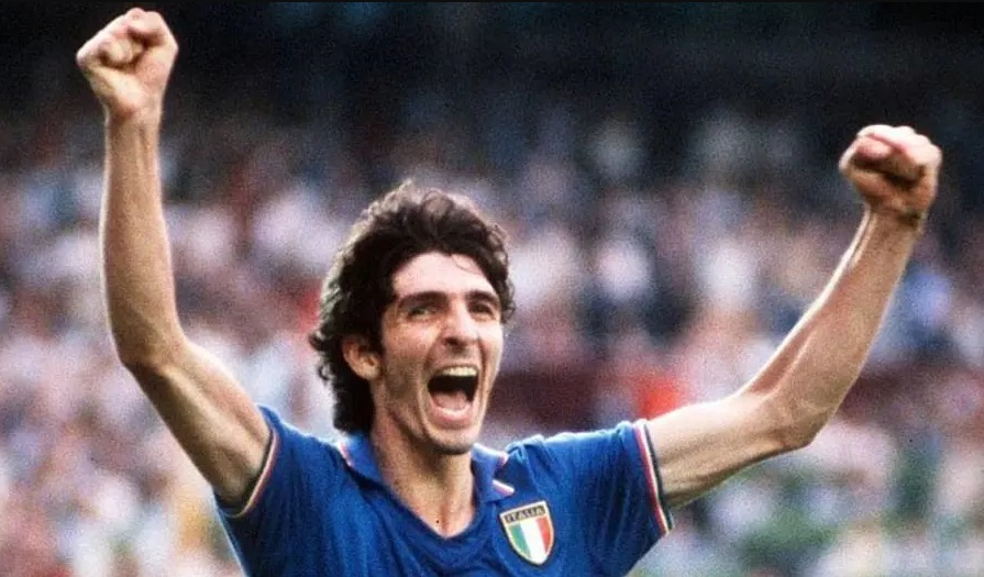 Seleção italiana, clubes e ídolos do futebol fazem homenagens a paolo rossi