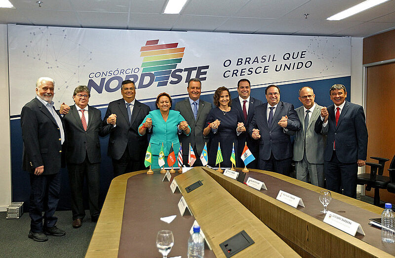 Governadores do nordeste cobram registro de empresas brasileiras para produção da vacina
