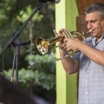Domingo tem espetáculo reciclores e apresentação beatles'n bossa & jazz